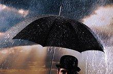 Nahaufnahme der Mann, der Regenschirm hält