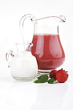 Erdbeere ,Saft ,Milch