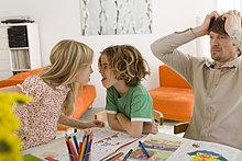 Zorn ,Junge - Person ,5-9 Jahre, 5 bis 9 Jahre ,Mädchen