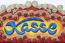 Leutschild mit dem Wort Kasse, Oktoberfest, München, Deutschland
