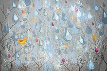 Regen fällt er auf Bäumen und einem Vogel
