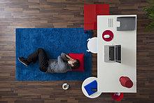 nahe,Vogelperspektive,Schreibtisch,Geschäftsmann,schlafen,Teppichboden,Teppich,Teppiche