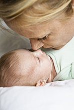 berühren ,Säuglingsalter, Säugling ,Mutter - Mensch