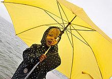 Regenschirm, Schirm ,gelb ,halten ,See ,Mädchen
