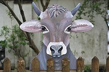 Hausrind,Hausrinder,Kuh,Europa,sehen,über,Figur,Holz,Garten,Zaun,Bayern,Kuh,Deutschland,Stichsäge