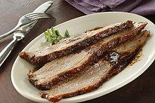 geben ,Teller ,Fleischstück ,Rindfleisch, Rind
