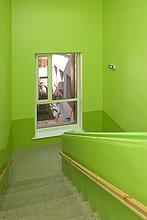 grün ,Schule ,Treppenhaus