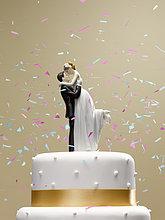 fallen, fallend, fällt ,Hochzeit ,Kuchen ,Konfetti