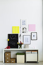 Fotografie ,Wand ,Blume ,Telefon ,hängen ,Regal ,Blumenvase ,Bayern ,Deutschland ,München