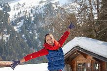 Frau ,Fröhlichkeit ,werfen ,Schnee