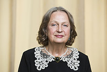 Portrait senior Frau lächelnd, Nahaufnahme