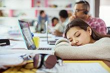 Frau,Geschäftsbesprechung,schlafen,Tisch,Konferenz