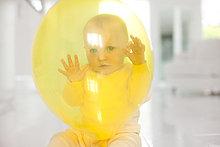 Neugier,gelb,Luftballon,Ballon,Baby