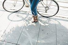 Frau,Fahrradfahrer,Mittelpunkt,Fahrrad,Rad,Erwachsener
