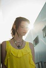 blicken,gelb,Bluse,jung,Traurigkeit,Mädchen