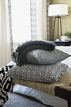 Stapel,Decke,Schlafzimmer,Sitzbank,Bank,Kissen