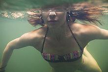 Wasser,Frau,schwimmen