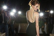 Wahrzeichen,schwarz,fotografieren,Fotograf,Paparazzo,Kleid
