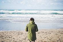 Mann,Strand,Wind,Meer,Rückansicht,Ansicht,hinaussehen