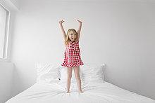 hoch,oben,stehend,klein,Bett,Mädchen