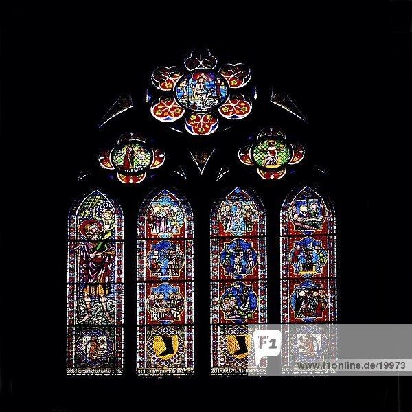 Kirchenfenster in der Kirche  Freiburger Münster  Freiburg  Schwarzwald  Baden-Württemberg  Deutschland