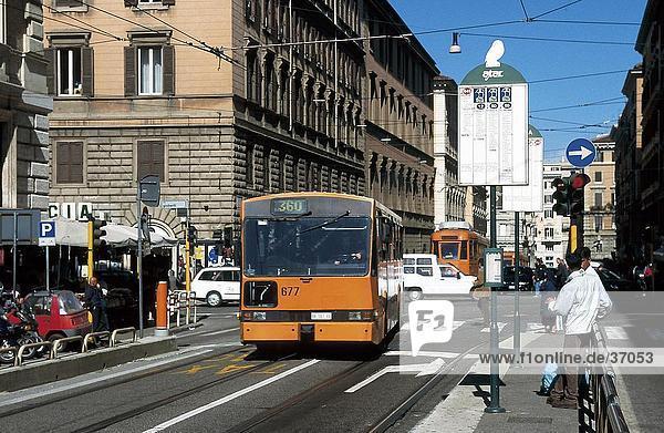 Verkehr auf Road  Rom  Italien