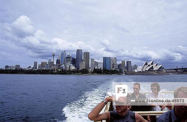 Touristen auf einem Boot  Sydney  New South Wales  Australien
