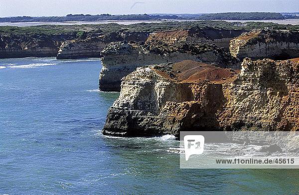 Felsformationen im Ozean  Great Ocean Road  Victoria  Australien
