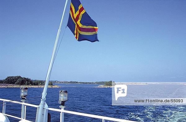 Meer Schiff Fahne Flattern Finnland