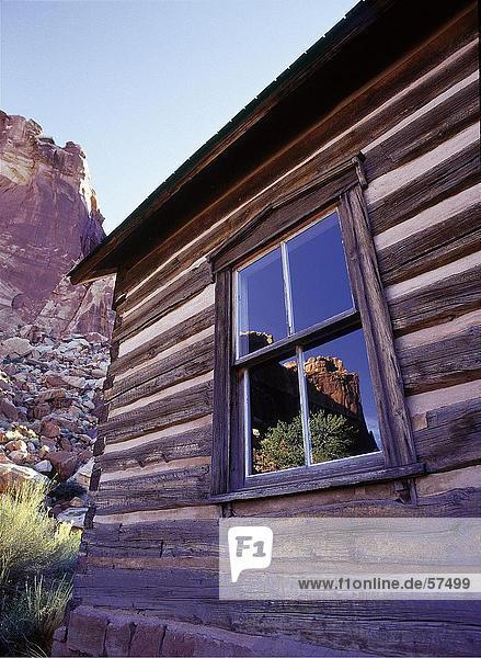 Brocken Fenster Maschinenbordbuch-Kabine  Capitol Reef Nationalpark  Utah  USA