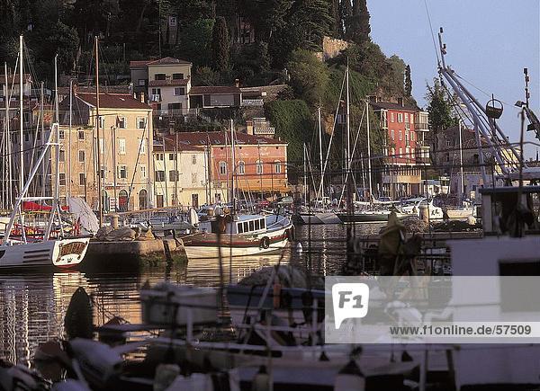 Hafen Boot vertäut Schiff Piran Slowenien