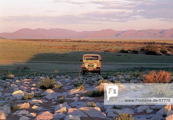 Land Cruiser Landschaft  Namibia