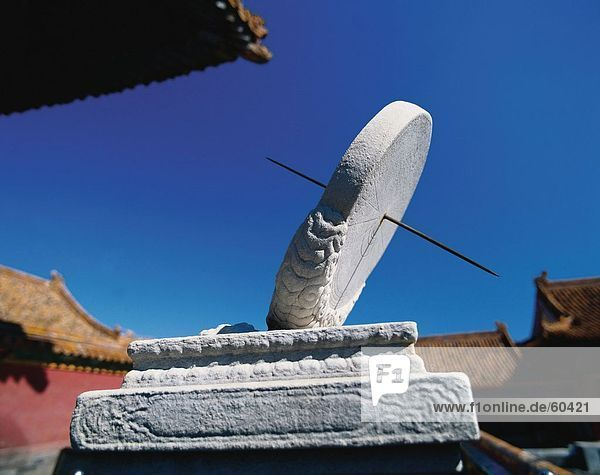 China  Peking  Verbotene Stadt  Sonnenuhr