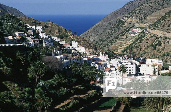 hoch oben Tal Dorf Ansicht Flachwinkelansicht Winkel Spanien
