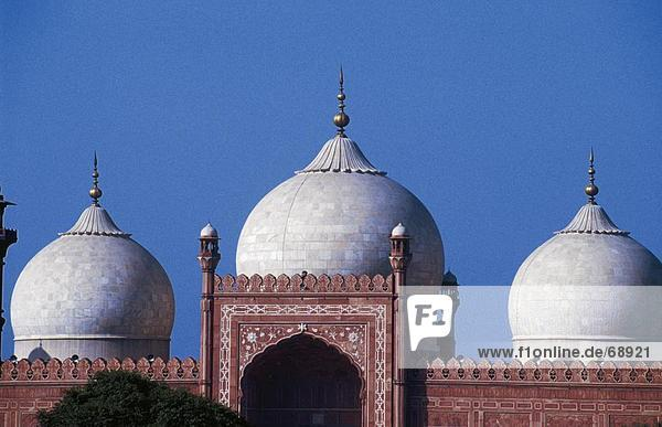 Moschee gegen klaren blauen Himmel  Badshahi Moschee  Lahore  Pakistan