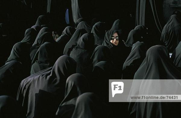 10618094  Frauen  Gruppe  Imam Al-Husain  Iran  Naher Osten  Isfahan  Islam  Mohammedanisch  Religion  Schiiten Trauer Prozession