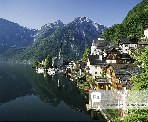 10628624  Hallstattersee  lake  sea  Halstatt  houses  homes  in lake  Upper Austria  Austria  Europe