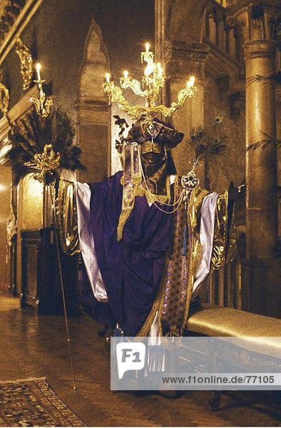 10648030  Tradition  in Italien  Europa  Karneval  Kostüm  Mann  Maske  Modell veröffentlicht  Tradition  Venedig  Veneto  Kleider u