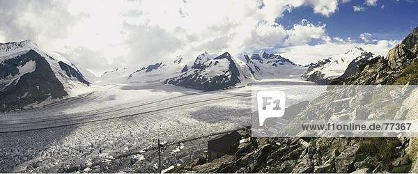 10649077  Aletsch Gletscher  Gletscher  Schweiz  Europa  Alpen  Berge  Berghutte  Felsen  Felsen  Gletscher  Konkordia  Konkordi