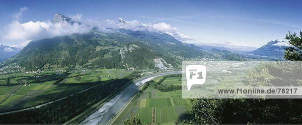 Panorama Landschaftlich schön landschaftlich reizvoll Berg fließen Fluss Alpen