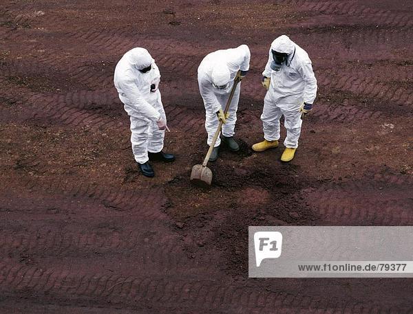 10760769  Architektur  Boden  Boden  Verschmutzung von Boden  Kleidung  Natur  Renovierung  Schäden  Schäden  Schutzanzug  Umwelt