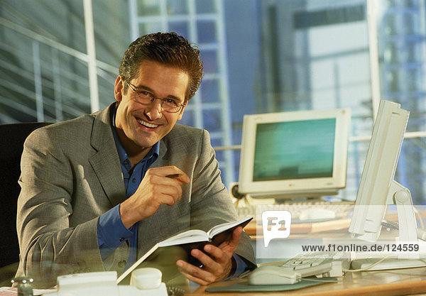 Geschäftsmann lächelnd