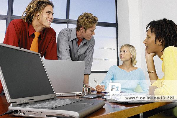 Geschäftsleute im Meeting