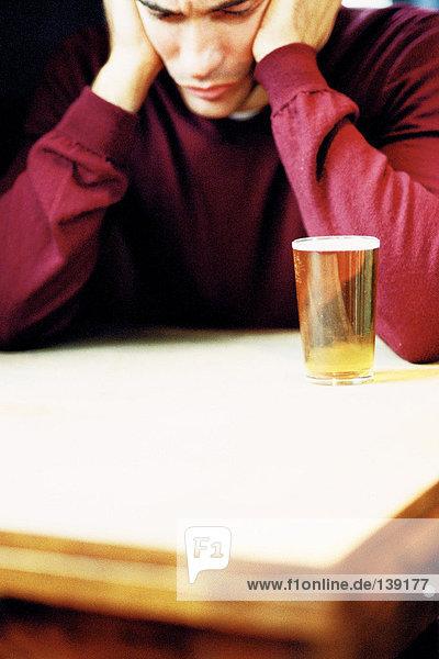 Mann mit Bier Mann mit Bier