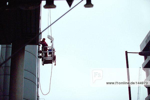 Fensterreinigung am Wolkenkratzer