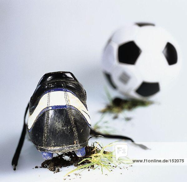 Nahaufnahme des Fußball-Schuh und ball
