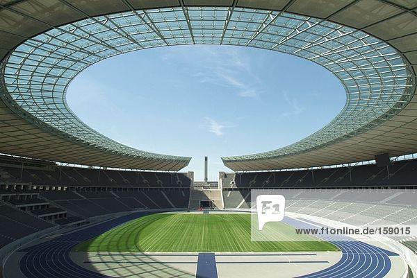 Leeren Sie Fußball-Stadion  Olympiastadion  Berlin  Deutschland