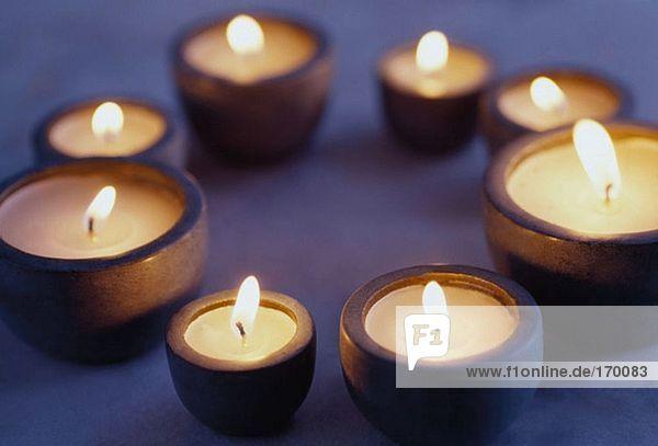 Ein Kreis von Kerzen