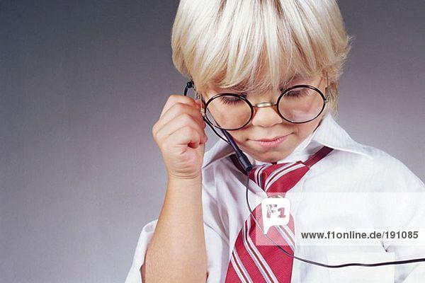 Junge mit Telefon-Headset