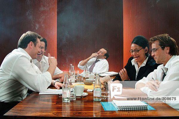 Rauchen im Sitzungssaal